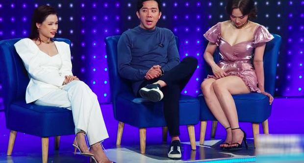 Lại thêm pha mặc váy ngắn cũn trên sóng truyền hình: Võ Hoàng Yến liên tục chỉnh váy để tránh mắc lỗi - Ảnh 9.