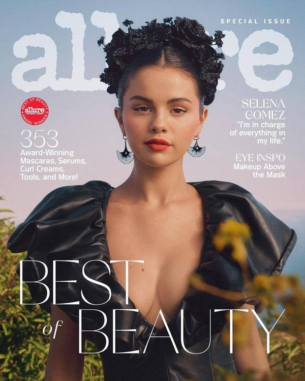 MXH đang náo loạn vì ảnh tạp chí mới của Selena Gomez: Vòng 1 bức thở, đẹp tựa nữ thần Hy Lạp thế này ai chịu nổi? - Ảnh 2.