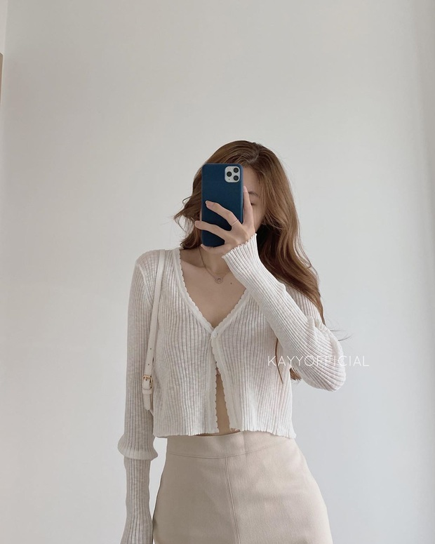 Cardigan dáng dài xưa rồi, chuẩn trend năm nay phải là cardigan lửng vừa hay ho lại vừa dễ mix đồ - Ảnh 8.