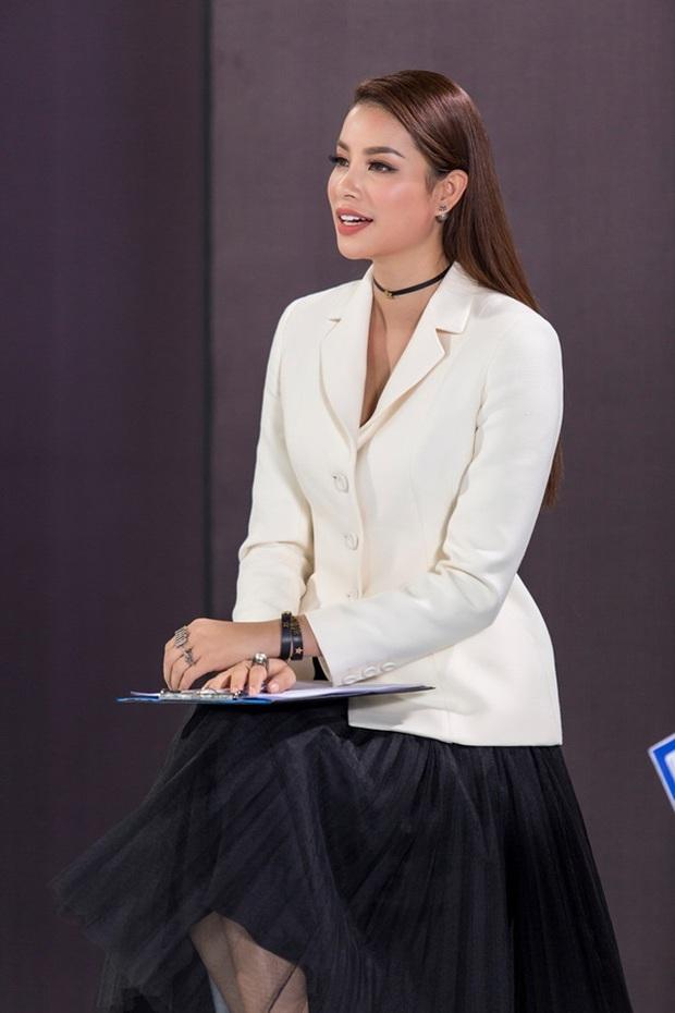 Phạm Hương làm mẫu tại Mỹ thì kỳ nhưng style 3 năm trước cực sang, đến giờ Hương Giang diện lại y chang vẫn đẹp - Ảnh 5.