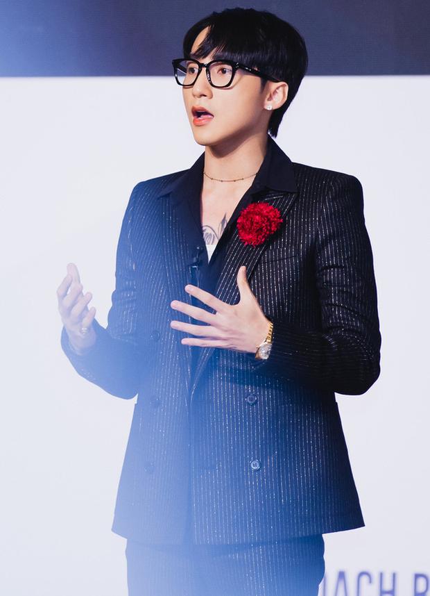 4 tổng tài đời thực nổi tiếng Vbiz: Ngọc Trinh - Hương Giang thành cặp nữ CEO, Sơn Tùng thu về 51 tỷ lãi ròng cùng công ty - Ảnh 7.