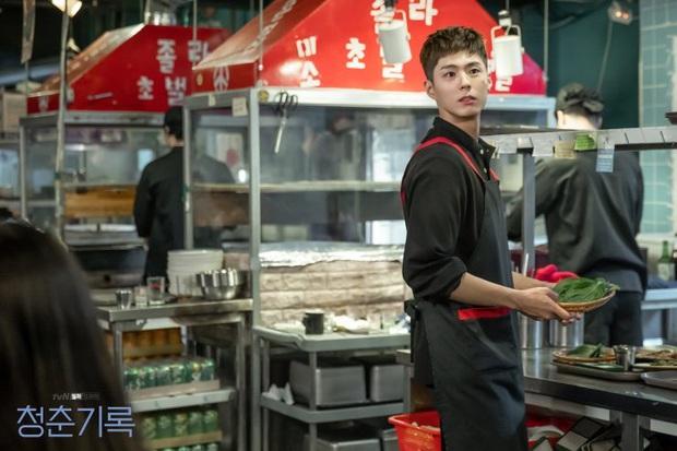 Review Record of Youth: Nội dung nhạt nhẽo, Park Bo Gum cũng chỉ cứu vớt được phần nhìn - Ảnh 2.