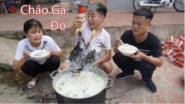Bà Tân Vlog lên tiếng sau clip con trai nấu cháo gà nguyên lông: Nếu biết Hưng làm như thế thì tôi sẽ ngăn cản - Ảnh 2.