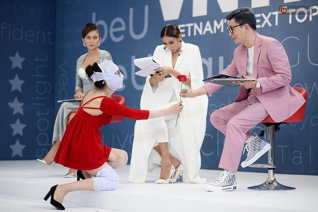 Hé lộ đoạn clip nữ chính Hà An (Người Ấy Là Ai) băng kín người đi thi Vietnams Next Top Model - Ảnh 10.