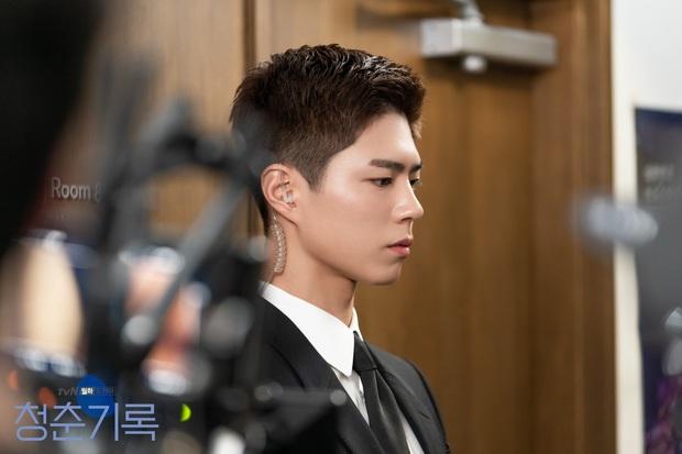 Cẩm nang nhập môn Record of Youth của Park Bo Gum: Không khí thanh xuân phơi phới lại thêm thính đam mỹ cực yêu! - Ảnh 4.