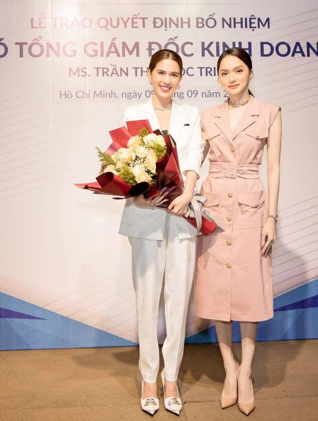 Phó Tổng Ngọc Trinh và CEO Hương Giang rủ nhau đi chụp ảnh đôi: Thần thái ngút ngàn, đau đầu khi chọn ai nhỉnh hơn - Ảnh 4.