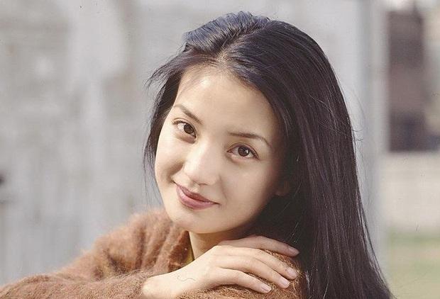 2 nàng Mulan Triệu Vy - Lưu Diệc Phi: Bê bối dài 20 năm, đời tư sặc thuyết âm mưu, người giật bồ kẻ vướng tin đồn yêu đồng tính - Ảnh 4.