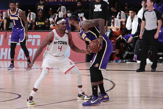 Rủ rê nữ bác sĩ về phòng riêng, sao NBA đối mặt với án phạt nghiêm khắc từ giải đấu - Ảnh 2.