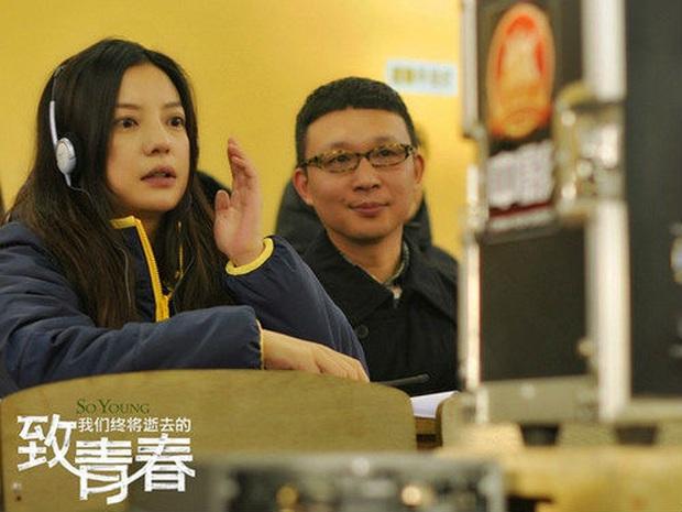 2 nàng Mulan Triệu Vy - Lưu Diệc Phi: Bê bối dài 20 năm, đời tư sặc thuyết âm mưu, người giật bồ kẻ vướng tin đồn yêu đồng tính - Ảnh 29.