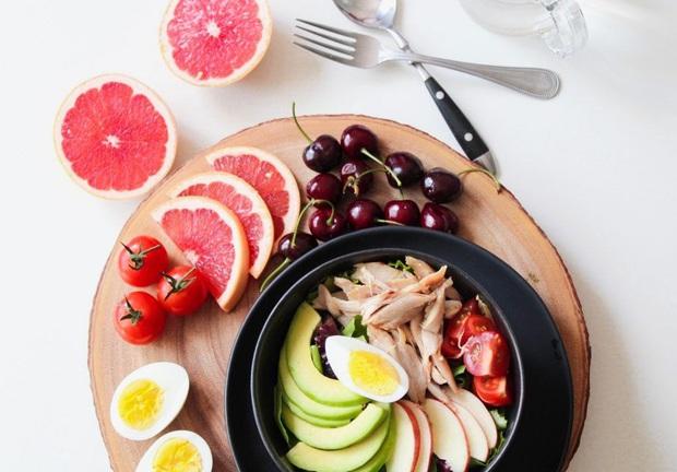 Thực đơn ăn kiêng 7 ngày với ức gà vừa ngon mắt, ngon miệng vừa giúp bạn dễ dàng đánh bay 3kg mỡ thừa - Ảnh 4.