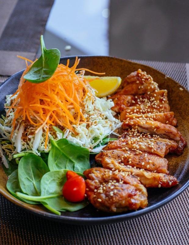 Thực đơn ăn kiêng 7 ngày với ức gà vừa ngon mắt, ngon miệng vừa giúp bạn dễ dàng đánh bay 3kg mỡ thừa - Ảnh 5.