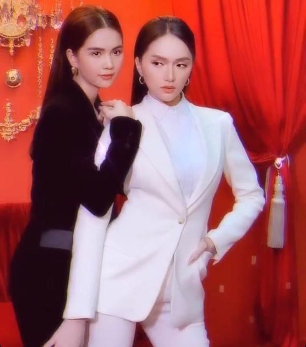 Phó Tổng Ngọc Trinh và CEO Hương Giang rủ nhau đi chụp ảnh đôi: Thần thái ngút ngàn, đau đầu khi chọn ai nhỉnh hơn - Ảnh 2.