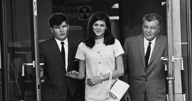 Bị bắt cóc và chôn sống suốt hơn 80 tiếng: Trải nghiệm kinh hoàng của ái nữ nhà triệu phú về vụ án gây rúng động nước Mỹ thập niên 1960 - Ảnh 1.
