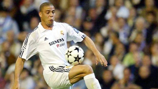 Ronaldo béo hé lộ từng bị CLB Real thuê riêng người giám sát để ngăn không cho tiệc tùng nhưng kết quả lại giúp anh có thêm bạn nhậu - Ảnh 1.