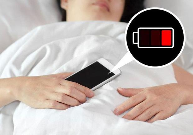 Tại sao không nên sử dụng điện thoại làm đồng hồ báo thức - Ảnh 4.