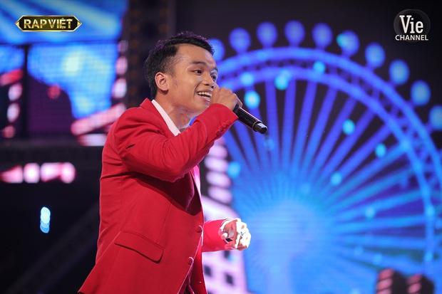Top 6 bộ cánh ngon nghẻ nhất của dàn thí sinh Rap Việt: R.I.C và Lăng LD đã chất rồi nhưng màn lột xác của Ricky Star mới gây choáng - Ảnh 1.