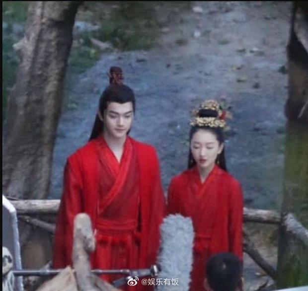 Châu Đông Vũ lên đồ rực rỡ để gả cho Hứa Khải nhưng bị chê không ra dáng mỹ nhân ở hậu trường phim mới - Ảnh 6.