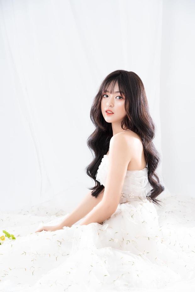 Hot girl bắp cần bơ thi The Face với chủ đề thể hiện sự khác biệt nhưng lại gửi hình... cosplay Jisoo (BLACKPINK) - Ảnh 6.
