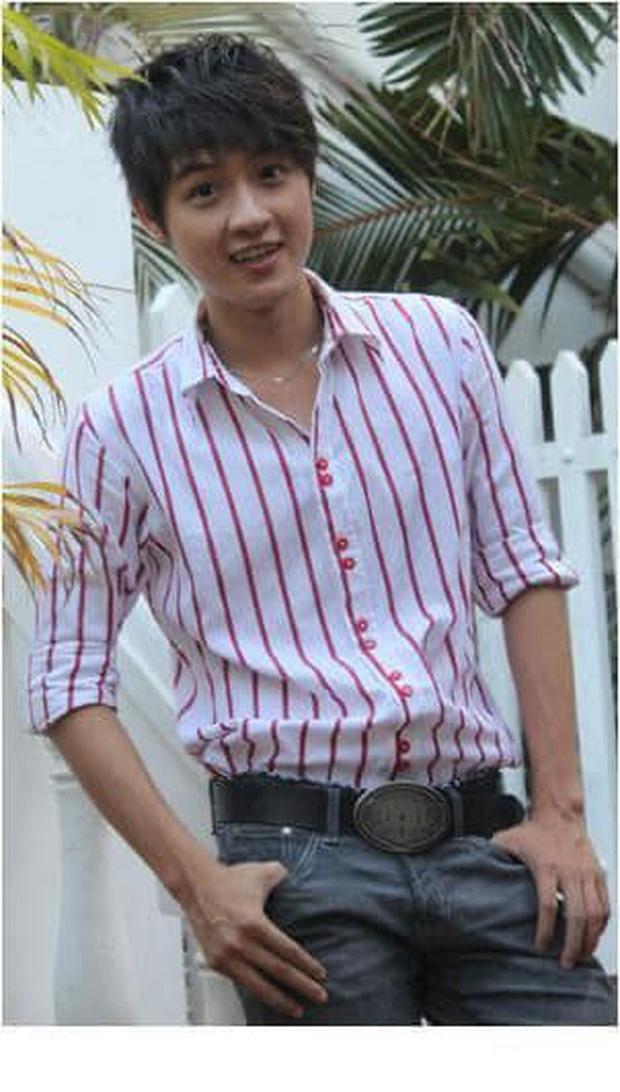 Thanh Duy Idol khoe ảnh thời đi học gây sốc vì trẻ mãi không già, thành tích học tập lại cực khủng - Ảnh 1.