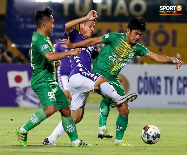 Cầu thủ lùn nhất Hà Nội FC khiến các ngoại binh phát cuồng trong ngày huỷ diệt đối thủ 7 bàn - Ảnh 8.