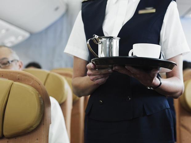 """Trà và cà phê trên máy bay không """"sạch"""" như chúng ta tưởng: Sự thật là gì? - Ảnh 2."""