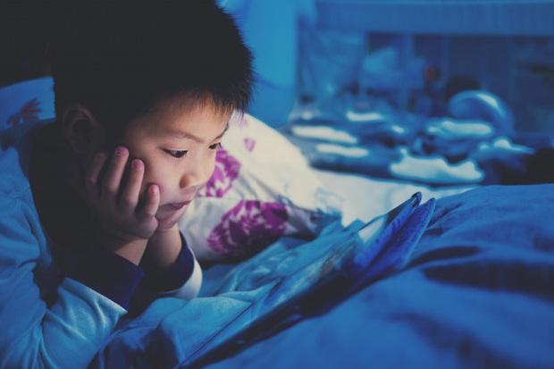 Thức khuya, ăn uống thất thường, uống nước có gas thay nước lọc... cậu bé 12 tuổi được chẩn đoán mắc ung thư phổi giai đoạn cuối - Ảnh 3.