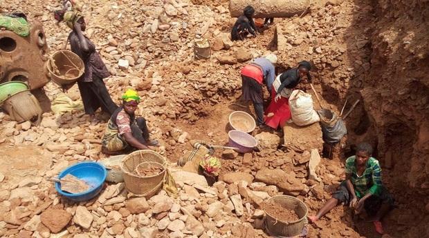 Sập mỏ khai thác vàng tại Congo, ít nhất 50 người thiệt mạng  - Ảnh 1.