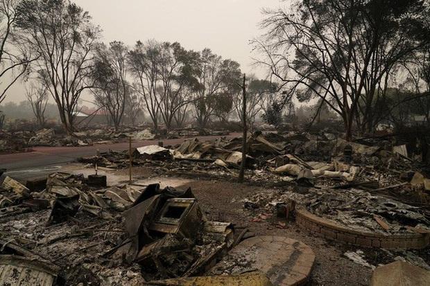 Người dân Oregon, Mỹ khốn đốn vì thảm họa cháy rừng chưa từng có - Ảnh 1.