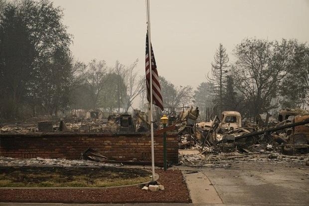 Người dân Oregon, Mỹ khốn đốn vì thảm họa cháy rừng chưa từng có - Ảnh 2.