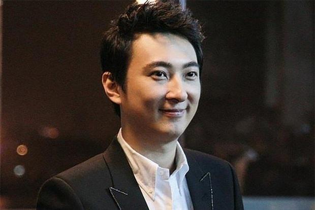 Bá đạo như Vương Tư Thông, thấy streamer siêu vòng một livestream gợi cảm, tiện tay donate hơn 17 tỷ - Ảnh 1.