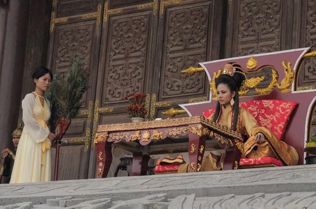 Dàn trang phục cổ đẹp mắt ở phim Việt: Thái hậu Thanh Hằng, cả nhà Tấm Cám hay dàn phi tần Phượng Khấu đều hút hồn hơn nhờ lụa! - Ảnh 14.