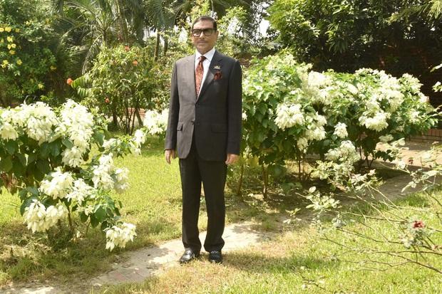 Bộ trưởng Bangladesh là người mê chụp ảnh nhất quả đất: Đăng một phát 10.575 bức ảnh, hằng ngày up chơi chơi chục tấm - Ảnh 15.