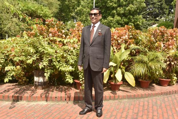 Bộ trưởng Bangladesh là người mê chụp ảnh nhất quả đất: Đăng một phát 10.575 bức ảnh, hằng ngày up chơi chơi chục tấm - Ảnh 16.