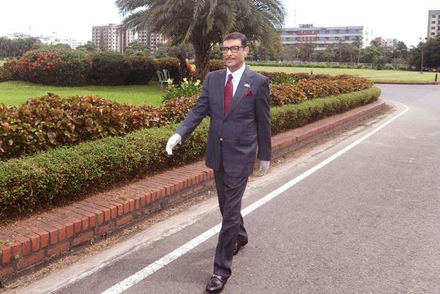 Bộ trưởng Bangladesh là người mê chụp ảnh nhất quả đất: Đăng một phát 10.575 bức ảnh, hằng ngày up chơi chơi chục tấm - Ảnh 7.