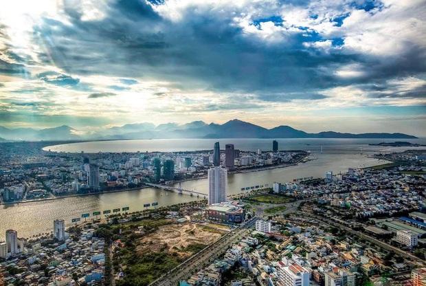 Đề xuất dỡ bỏ giãn cách ghế ngồi trên chuyến bay xuất phát từ Đà Nẵng - Ảnh 1.