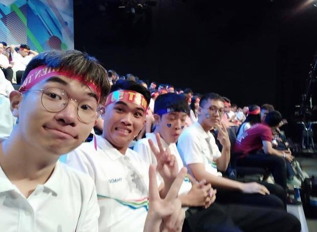 2 lần được vớt vào vòng trong, nam sinh Hà Nội lội ngược dòng góp mặt trong trận chung kết năm Olympia - Ảnh 3.