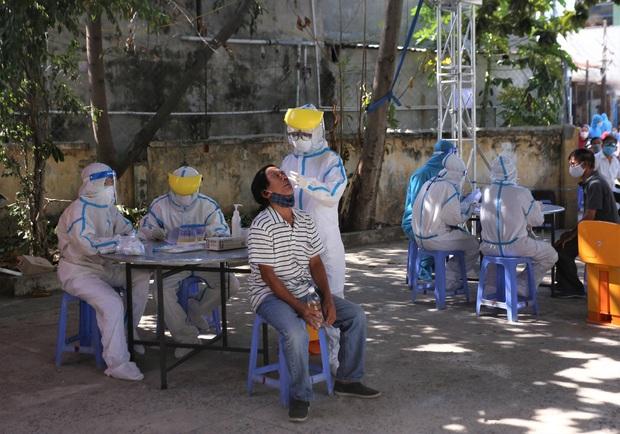 Đà Nẵng chỉ còn 19 bệnh nhân Covid, gần 25% dân số đã được lấy mẫu xét nghiệm - Ảnh 2.