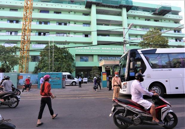 Bệnh viện Đà Nẵng mở cửa đón bệnh nhân đến khám và điều trị trở lại - Ảnh 1.