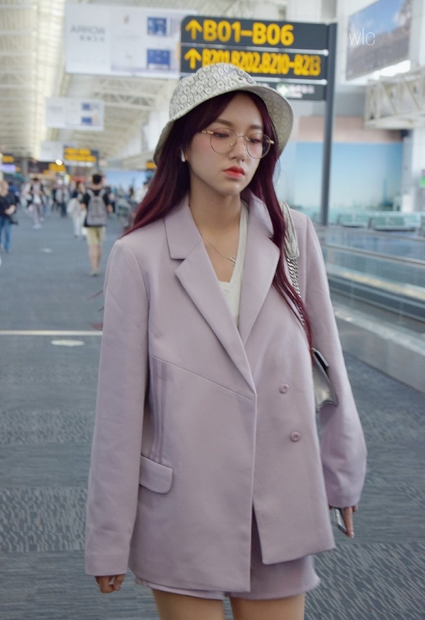 Mê hoặc loạt mỹ nhân Cbiz lúc này là blazer màu tím lilac, sắm theo là được khen ăn mặc có gu - Ảnh 5.