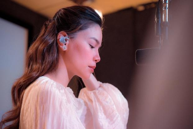 Love Songs Collection 4: Hành trình từ run rẩy, bản năng đến đằm thắm trong cách hát của Hồ Ngọc Hà - Ảnh 12.