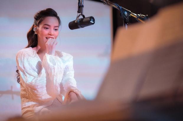 Love Songs Collection 4: Hành trình từ run rẩy, bản năng đến đằm thắm trong cách hát của Hồ Ngọc Hà - Ảnh 5.