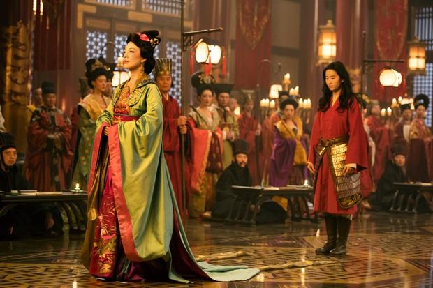 """Đạo diễn Mulan khoe phim """"đúng chuẩn Trung Quốc"""" trong khi phim toàn lỗi, nghe mà muốn xỉu ngang! - Ảnh 3."""