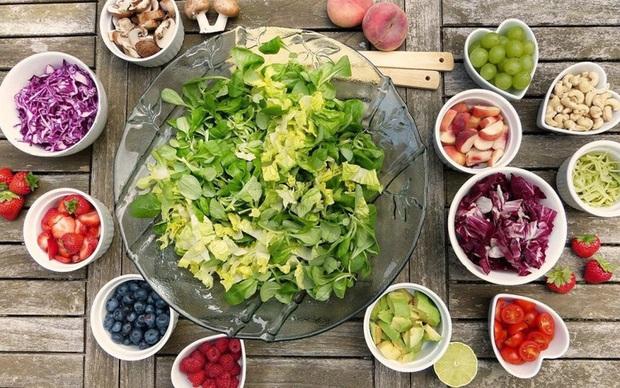 Ăn salad để giảm cân nhưng nếu không chú ý tới 5 yếu tố quan trọng này thì mọi cố gắng đều trở thành công cốc - Ảnh 1.