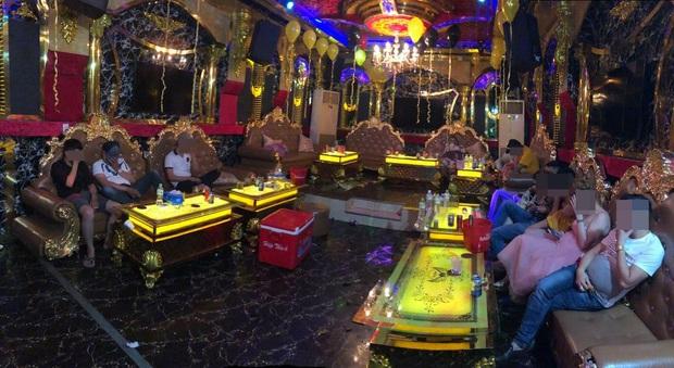 Phát hiện 33 dân chơi dương tính với chất ma tuý ở 2 quán karaoke tại Sài Gòn - Ảnh 1.