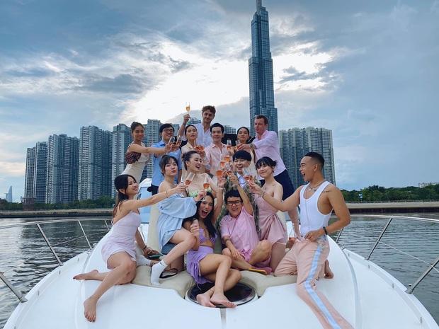 Sơn Tùng và dàn sao Vbiz rần rần check-in du thuyền, giới trẻ cũng hưởng ứng trào lưu du lịch sang chảnh này! - Ảnh 10.