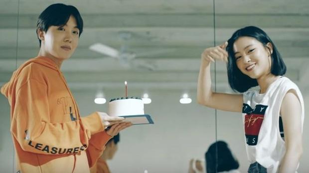ITZY gây sốt vì cosplay biểu cảm của BTS quá dễ thương, fan ship ngay: Hai nhóm mà kết hợp với nhau chắc đỉnh lắm! - Ảnh 11.