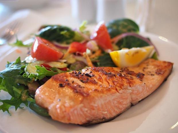 Ăn salad để giảm cân nhưng nếu không chú ý tới 5 yếu tố quan trọng này thì mọi cố gắng đều trở thành công cốc - Ảnh 3.