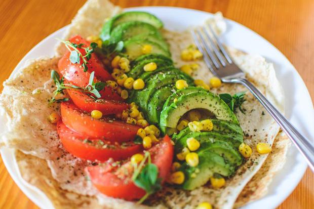 Ăn salad để giảm cân nhưng nếu không chú ý tới 5 yếu tố quan trọng này thì mọi cố gắng đều trở thành công cốc - Ảnh 4.