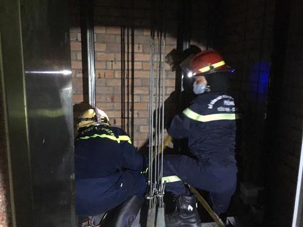 Nam nhân viên bảo trì thang máy tử vong trong toà nhà trung tâm Sài Gòn - Ảnh 1.