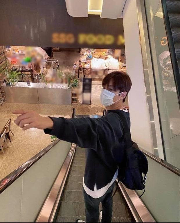 Buồn của Lee Min Ho: Mãi mới rảnh rỗi để đi siêu thị, rửa tay xịt cồn đủ kiểu nhưng tới nơi thì gặp cảnh choáng đến đứng hình - Ảnh 3.